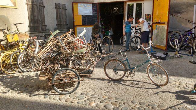 Visite-découverte à l'Atelier vélo participatif et citoyen de Crest