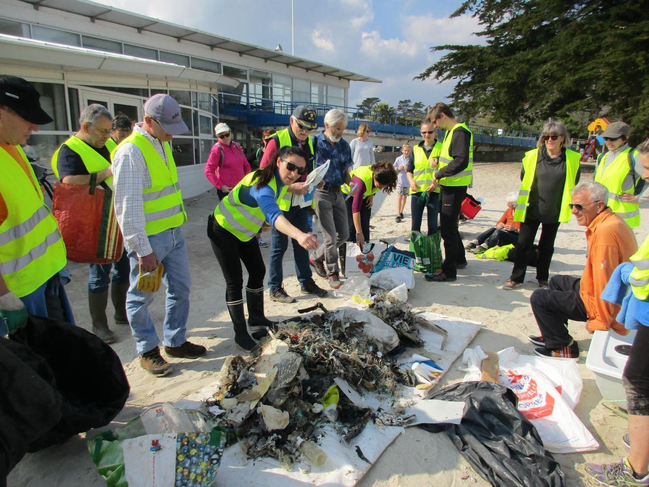 Nettoyage du littoral avec l'association Ar Viltansoù